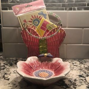 Girl things! Notecards, basket & jewelry dish.